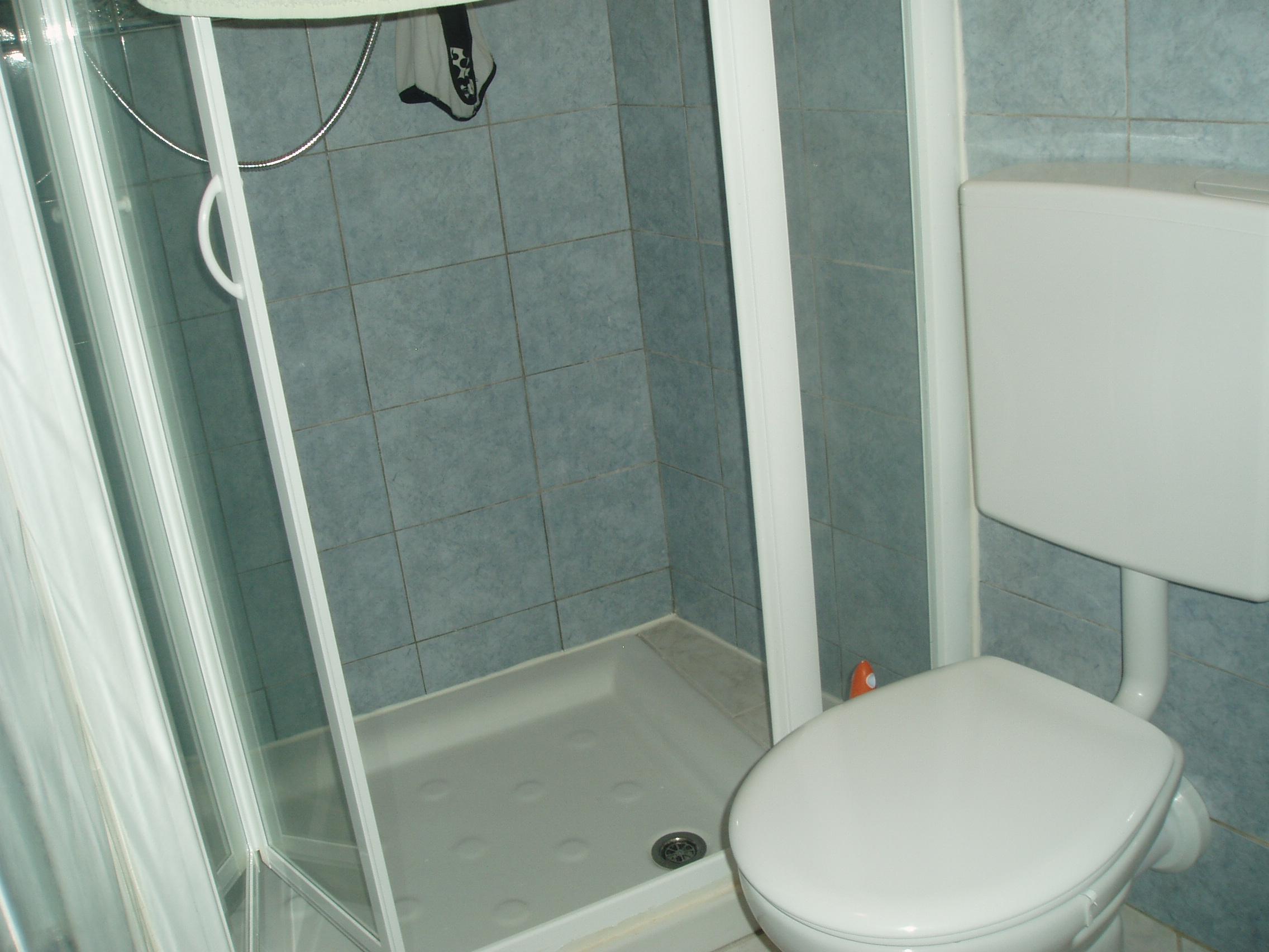 Rifacimento bagno a sanremo im ristrutturazioni in - Rifacimento bagno detrazione ...